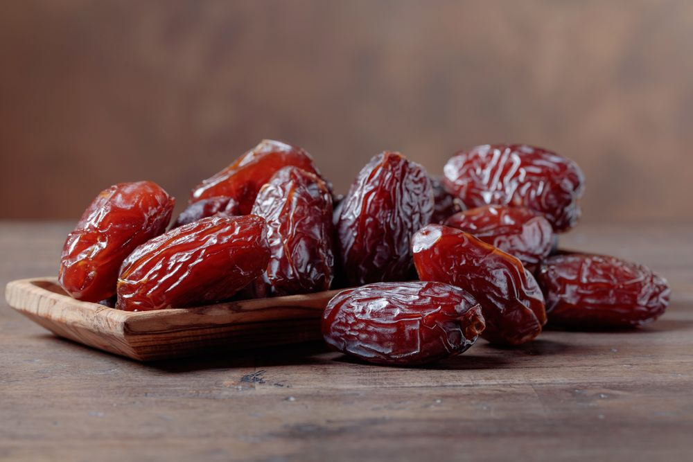 12 Proven Health Benefits of Dates, Wholesome Recipes, and More