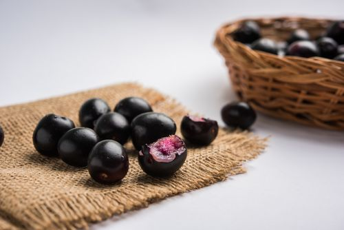 9 Amazing Benefits of Jamun
